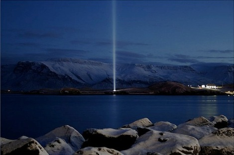 Imagine Peace Tower / Friðarsúlan, Viðey Island, Reykjavík, Iceland (by alf07, flickr)
